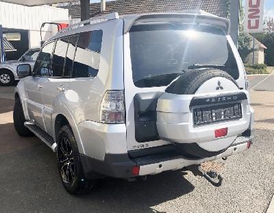 clda auto MITSUBISHI  IV 3,2 DID INSTYLE 5 portes, 7 places BVA