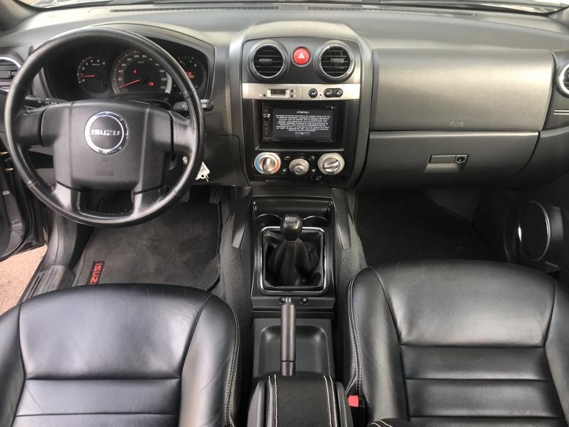 CLDA automobiles ISUZU  2,5L TDI CREW GRANITE
