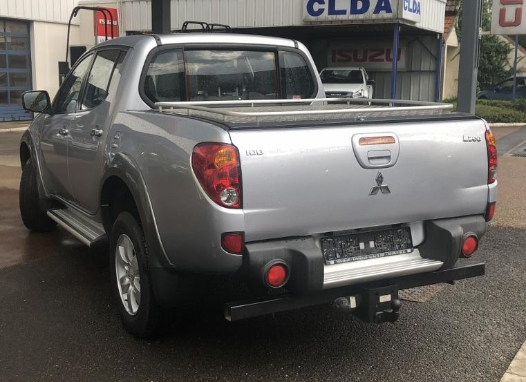 CLDA automobiles MITSUBISHI  2,5L DID Double Cabine INTENSE