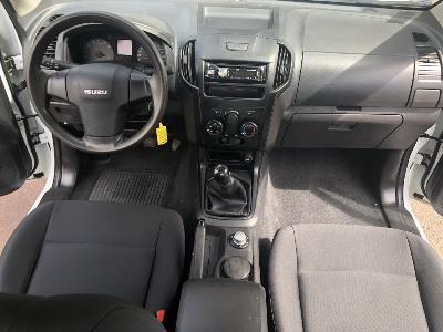 clda auto ISUZU  2,5L Bi TDI Space cabine SATELLITE