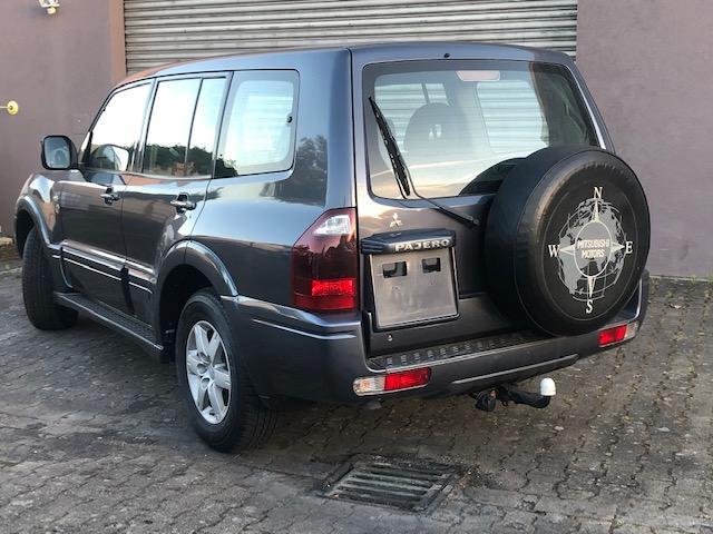 CLDA automobiles MITSUBISHI  3,2 DID INTENSE BVA,  5 portes,7 places