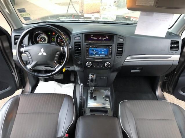 CLDA automobiles MITSUBISHI  3,2L DID INSTYLE BVA 200ch 5 portes 7 places