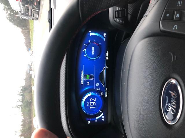 CLDA automobiles MITSUBISHI  2,5 L DID Clubcabine Intense
