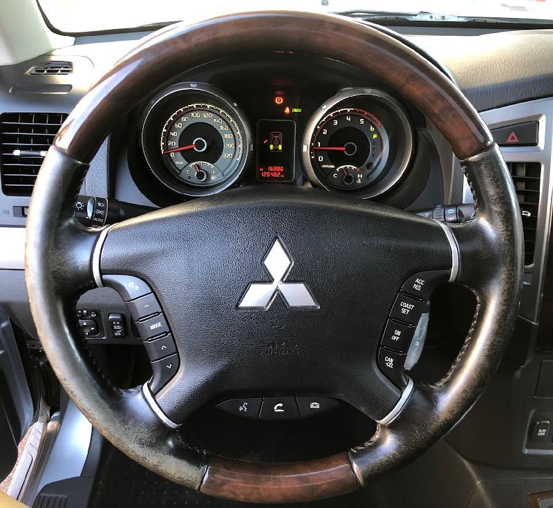 CLDA automobiles MITSUBISHI  3,2 DID BVA IV 200 ch INSTYLE BVA 5p, 7pl