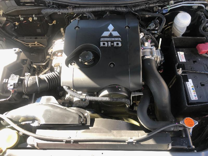 CLDA automobiles MITSUBISHI  2,5L DID ClubCabine Intense